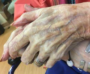 moms-hands